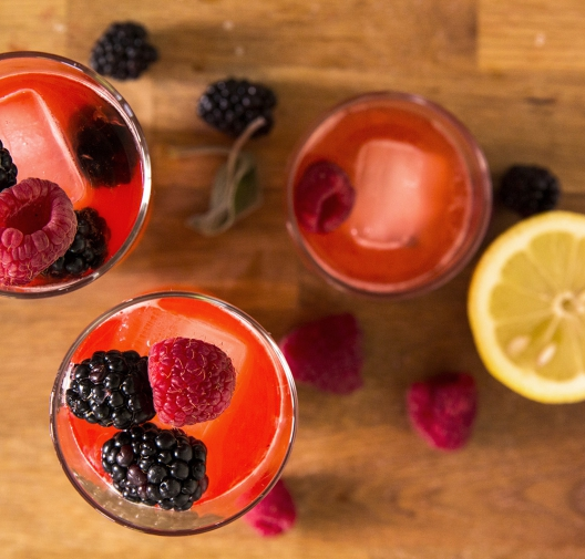 Agave-sweetened Raspberry, Sage & Ginger Spritzer